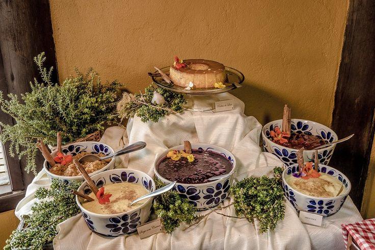 Mesa de doces do Parador Casa da Montanha Cambará do Sul, RS http://www.paradorcasadamontanha.com.br/