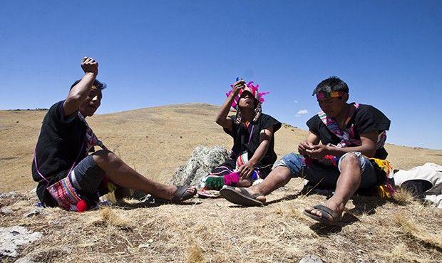 Ritual. Antes de empezar recorrido de camino inca se efectuó un pago a la tierra