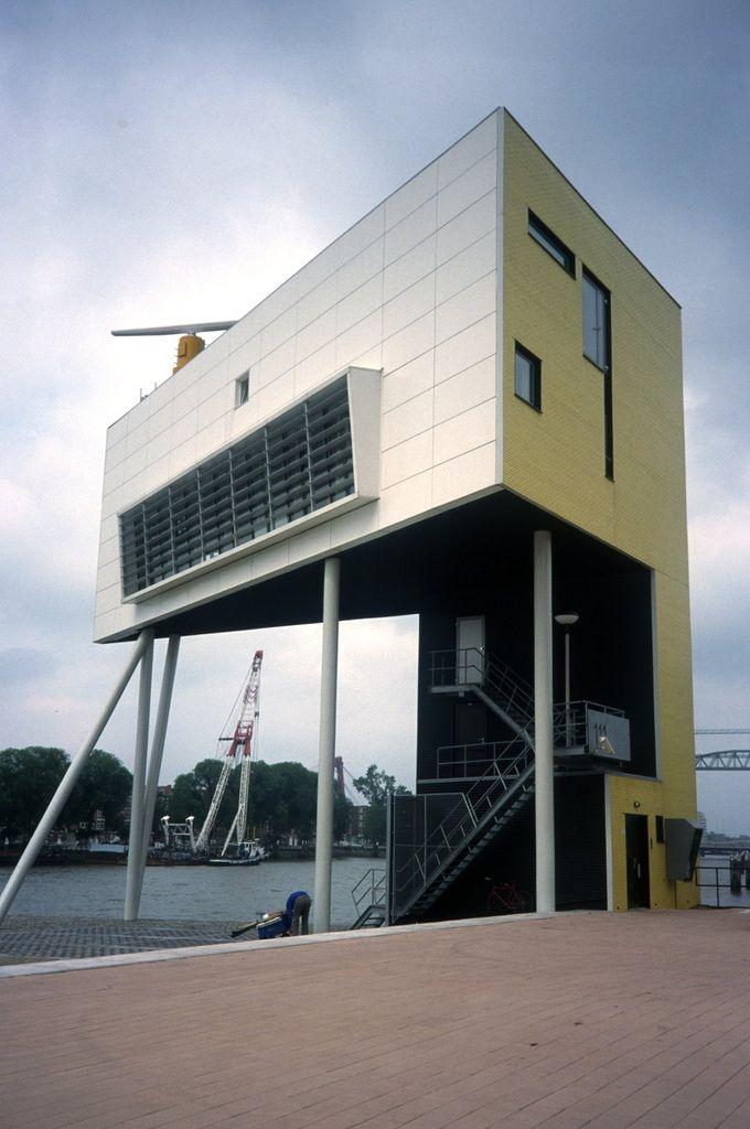 Bolles & Wilson | Bridge-Watchers House | Willhelminaplei ; Rotterdam; Holanda | 1996 | Scheepvaarthuis