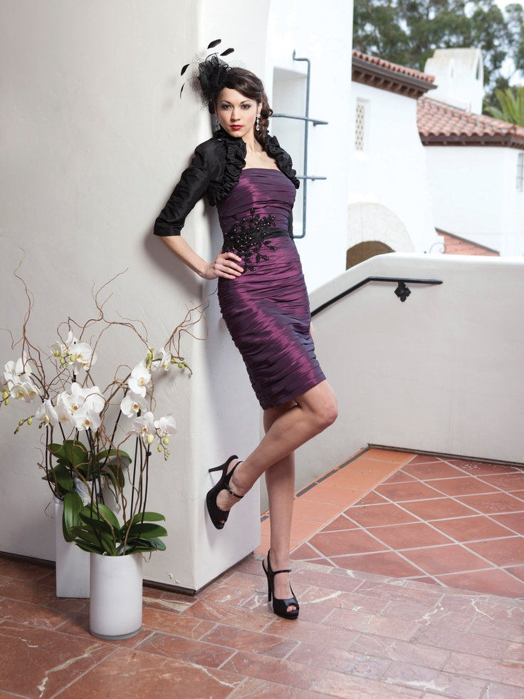 http://2bebride.com/item/?i=2BE150&collection=kathy%20ireland%20by%202be%20-%20Occasion