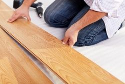 How to prevent laminate flooring from lifting