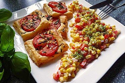 Maissalat mit rotem Paprika und Sauerrahmdressing, ein raffiniertes Rezept aus der Kategorie Schnell und einfach. Bewertungen: 42. Durchschnitt: Ø 4,4.