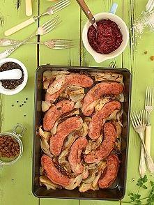 Zobacz zdjęcie Biała kiełbasa pieczona z jabłkami i cebulą i cydrem
