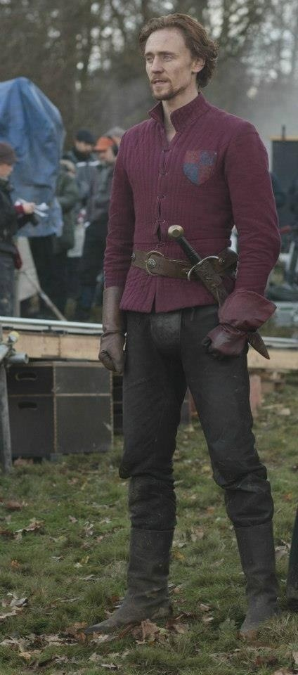 Tom Hiddleston | Henry V. in William #Shakespeare's Henry V. (The Hollow Crown, England, UK, 2012) #TV #TomHiddleston and his codpiece