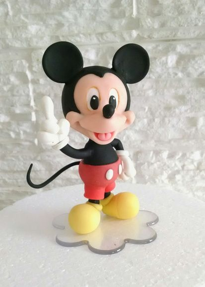 Topo de Bolo Mickey, Mickey cake topper , clay, biscuit, porcelana fria, aniversário, Disney, aniversário, mickey mouse