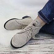 Купить или заказать Туфельки Балетки вязаные серые в интернет-магазине на Ярмарке Мастеров. Балетки связаны из хлопка серого цвета. Мысок выполнен красивым ажурным узором. Вязка выполнена особым приёмом плетения, полотно плотное, не вытягивается в процессе носки и стирки. Ниточки не линяют. Балеточки смотрятся интересно и не скучно. И ,конечно же, очень удобные... Такая обувь обеспечит легкость Вашей походки,пристальное внимание окружающих и комфорт для ножек.