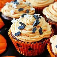 Pomarańczowe muffinki na Halloween