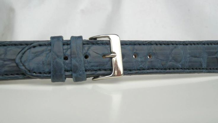 Curea de ceas disponibila pe comanda lucrata din piele de CROCODIL bleumarin. Pentru comenzi: cureledeceas@gmail.com sau sunati la 0737 472 022.  /Leather watch strap available on order. For inquiries, please call 0737 472 022 or kindly send e-mail to: cureledeceas@gmail.com.