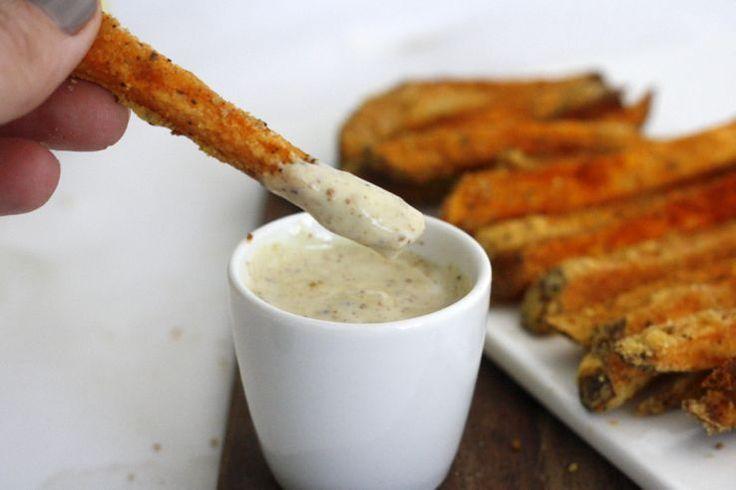 Nee, niet crunchy zoals gewone patat uit de frituur. Dat krijg je echt niet voor elkaar met zoete aardappels, die zijn namelijk veel zachter van structuur. Ma