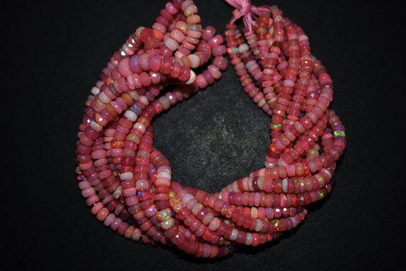 Angebot gilt für 1 Strang der rosa äthiopischen Opal facettierte Rondelle Perlen-äthiopischer Opal facettierten Perlen, 3.50-6 mm, 16- EO181  Größe: 3.50 - 6 mm(Approx.) Länge: 16 Zoll  Käufer erhalten einem (1) Strand.  Ein schöner Edelstein, halb-Edelstein die Farben auf Ihre Kreationen hinzufügen.
