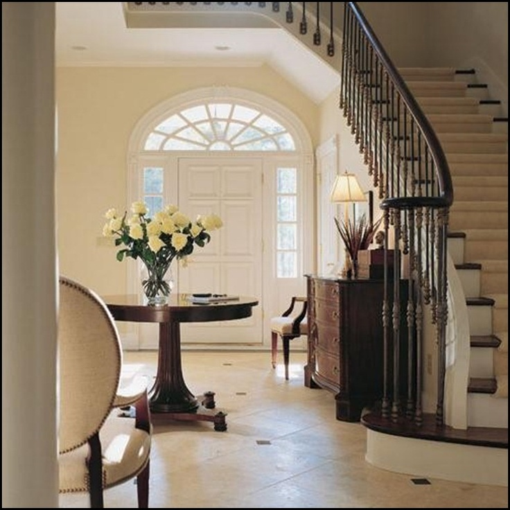 Elegant And Neutral Christmas Foyer: 25+ Best Ideas About Round Foyer Table On Pinterest