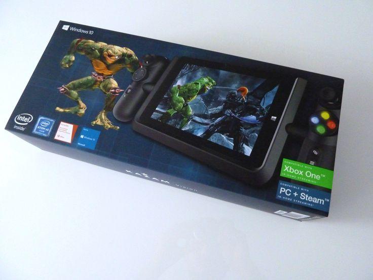 Test de la tablette de jeu Kazam Vision un hybride entre Xbox One et Windows 10 Parmi les différents appareils sous Windows 10 nous sommes très heureux de tester aujourdhui la nouvelle tablette Vision du constructeur Kazam. Sa particularité est que celle-ci est spécialisée dans le streaming de vos jeux de Xbox One cela fait delle une tablette hybride orientée jeu à mi-chemin entre Windows 10 et la console Xbox One.  Le packaging donne le ton place au jeu ! Comme dhabitude commençons ce test…