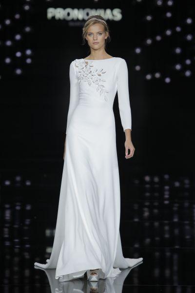 Vestidos de novia con cuello barco 2017. ¡Elegancia pura! Image: 20