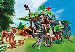 Explorateur et famille de lynx