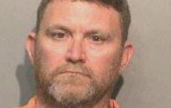Officers from the Dallas County Sheriff's Office and Iowa State Patrol took 46-year-old Scott Michael Greene into custody and were taking him to Des Moines