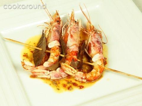 Spiedini di gamberoni al forno: Ricette di Cookaround | Cookaround