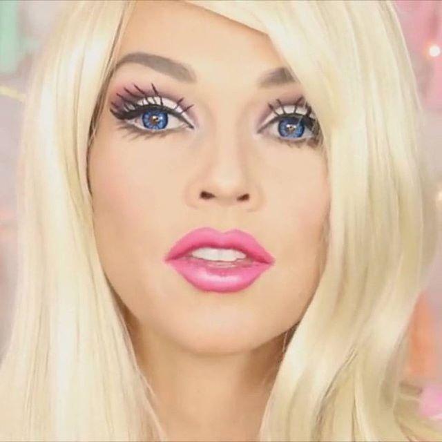 Барби ❤️ Лайк, если понравилось   Отмечайте подруг под видео ✅ Подписывайтесь на @grimvideo ➖➖➖➖➖➖➖➖➖➖➖➖ #грим #greasepaint #makeup #макияж #мейкап #барби #кукла #barbie