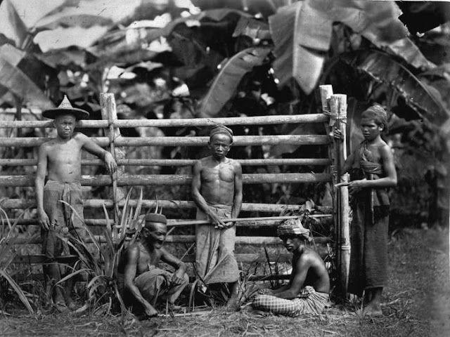 Portrait of workers, Deli, circa 1870