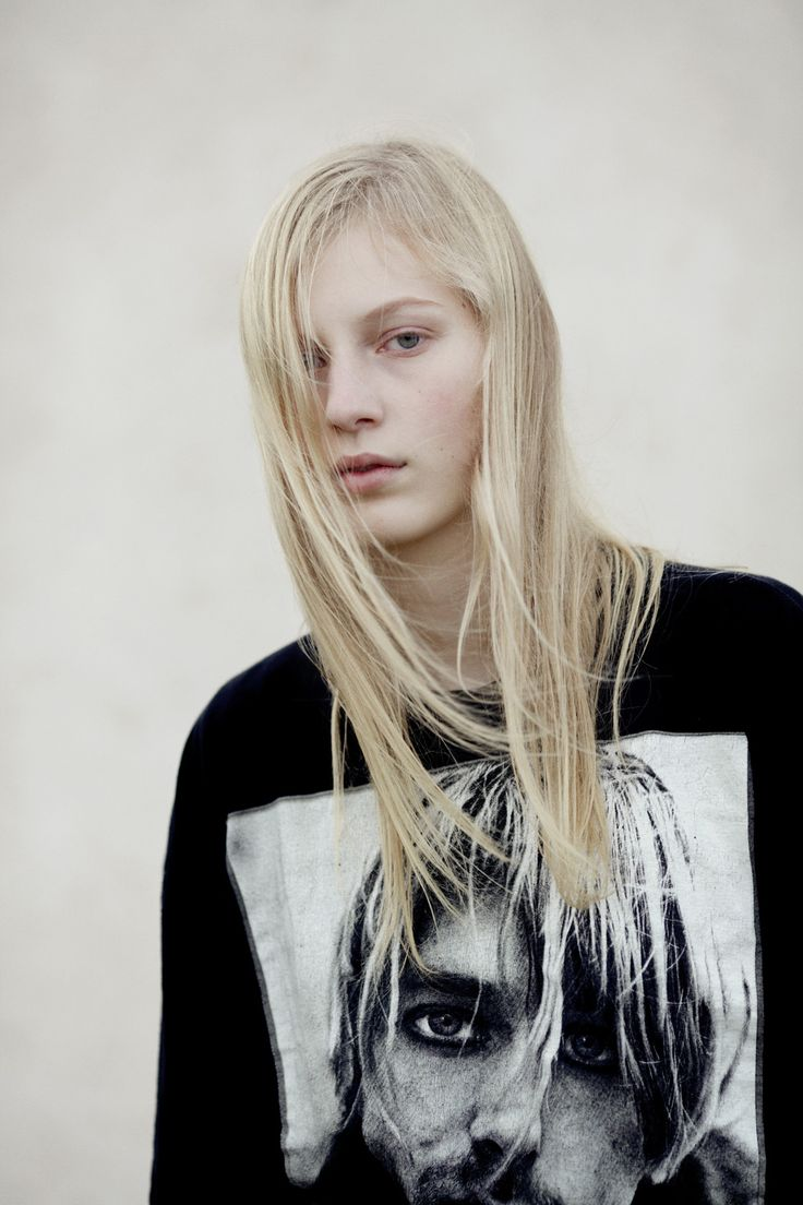 Julia Nobis Photographed by Bec Parsons LOVEWANT Issue 3