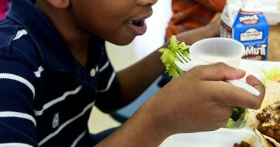 Insights and strategies from a pediatric psychologist who specializes in autism-related feeding challenges