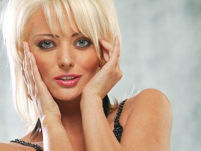 Delia Matache va canta in deschiderea concertului  Indila