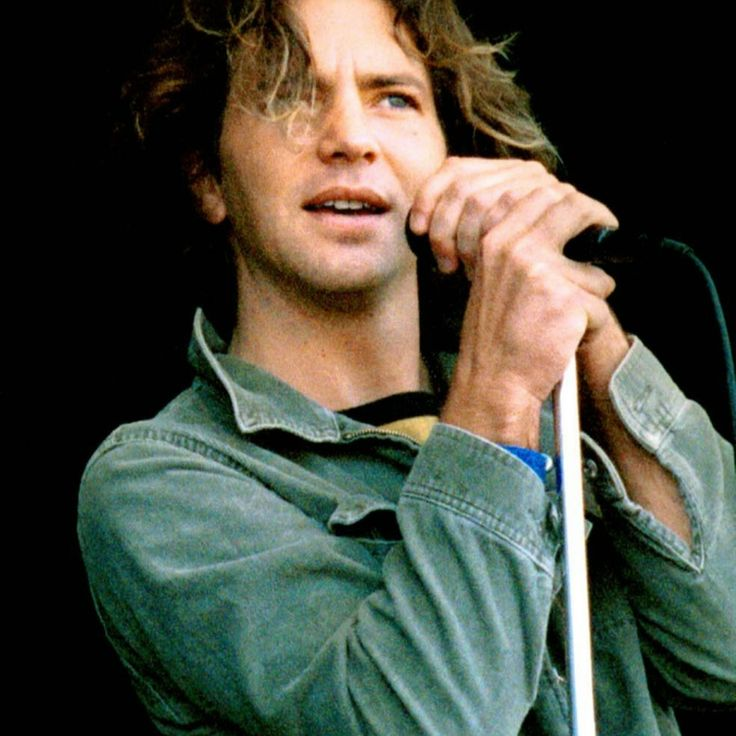 Eddie Vedder, so cute.