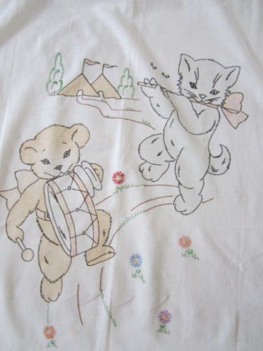 Vintage Vogart Tinted Embroidered Kittten Teddy Bear Crib Covery