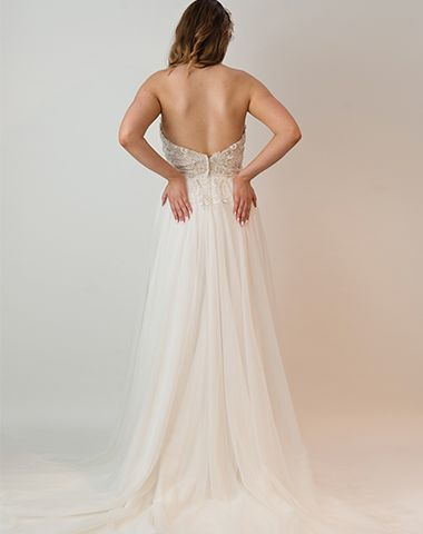 PT 17004 - Peter Trends Bridal