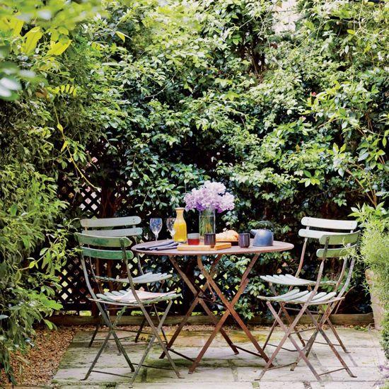 Backyard sitting area ideas 25 outdoor seating area for Garden area ideas