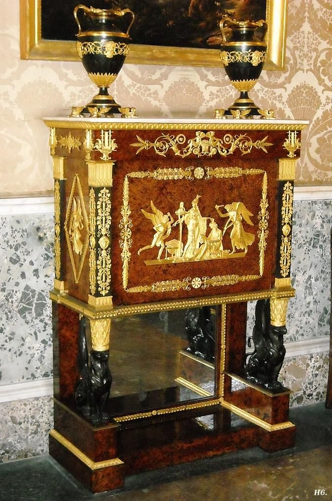 Francés Imperio turística.  1812. Adam Weisweiler.  Nápoles Palacio Real.  http://hadrian6.tumblr.com