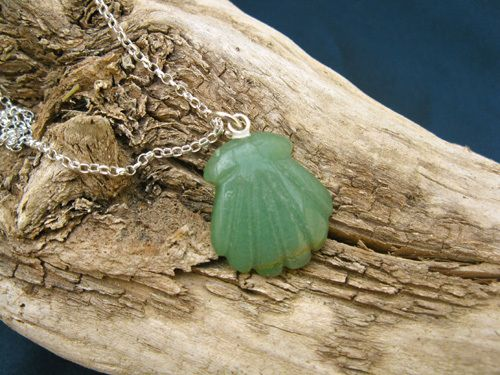 Aventurine Camino jewellery necklace ~ scallop shell . . a beautifully simple necklace to instil calm and confidence