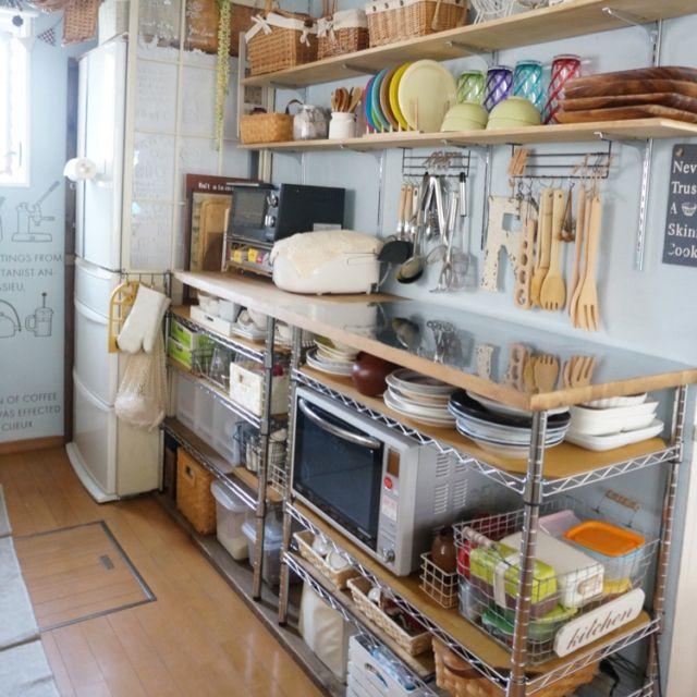 Suさんの、キッチン,カウンター,カフェ風,おうちカフェ,オープン収納,キッチン収納,作業台,キッチンDIY,cafe風,ステンレス天板,シルバーラック,続きはブログで。,のお部屋写真