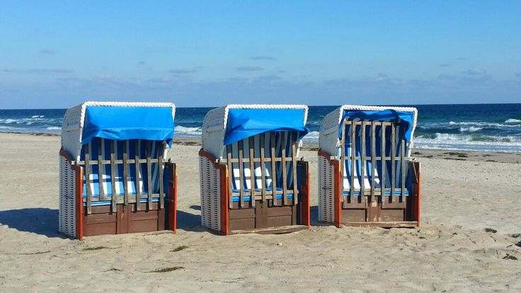 Strand in Dahme - verlassene Strandkörbe