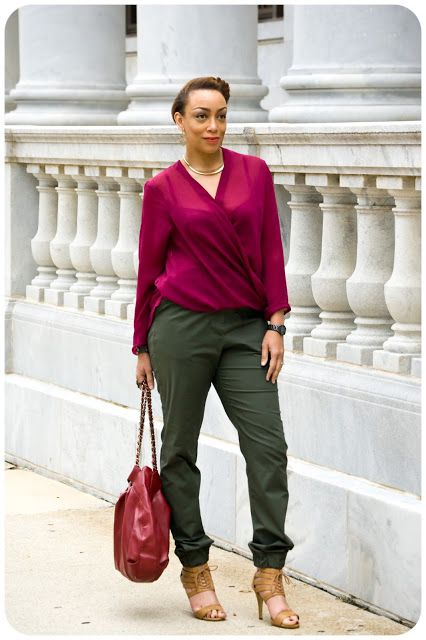 Erica Bunker | DIY Style! The Art of Cultivating a Stylish Wardrobe: Review: (OOP) Vogue 1323 | Military-Green Relaxed-Fit Trousers!