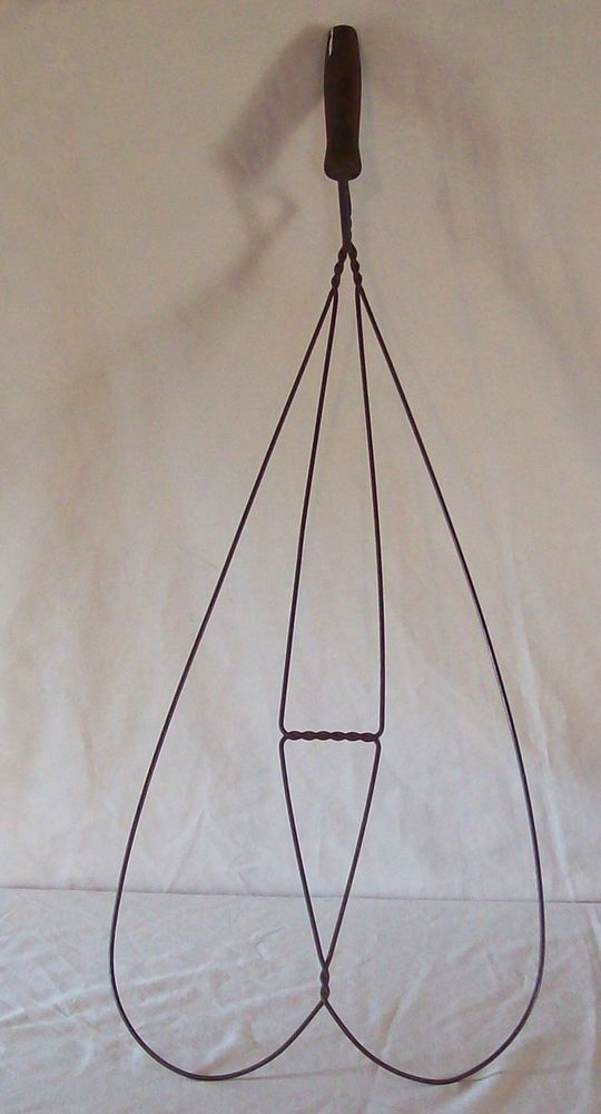 """Vintage Antique 30/"""" Rug Beater with Wooden Handle"""