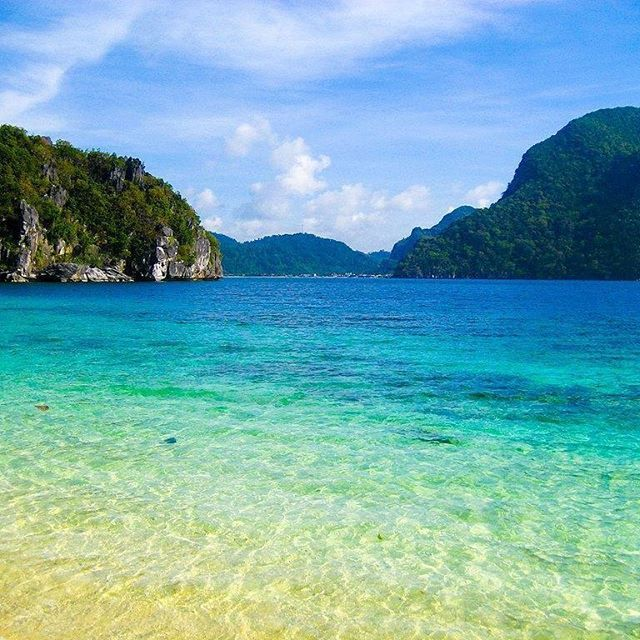 The El Nido resorts from the Philippines are known for their white-sand beaches and coral reefs. #beach #resort #corals #whitesands #elnido #elnidopalawan #philippines #asia #travelling #travelphotography #vacation #visit #instatravel #instago #instagood #travelphotography #igtravel #tourist #holiday #readysetholidayapp #readysetholiday  Credits: gautsch. on Flickr