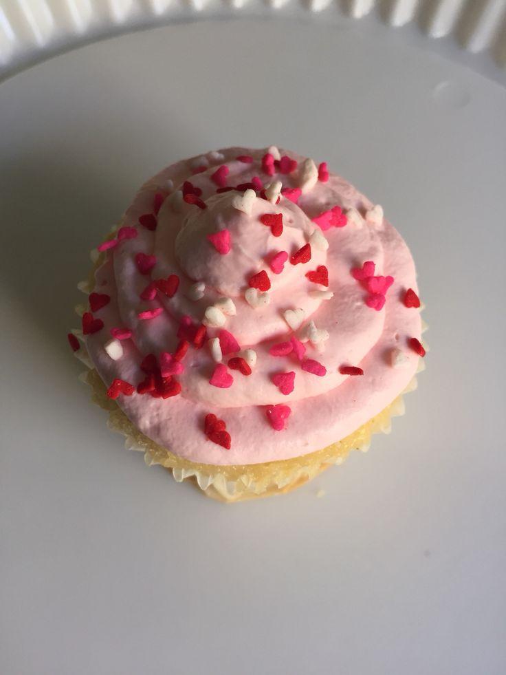Cupkace con cobertura de yogurt con fresa!