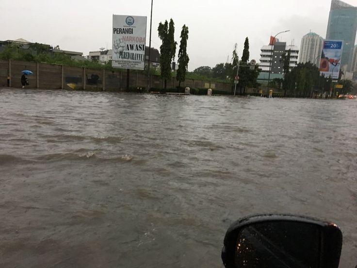 http://bataranews.com/2017/02/21/jaya-suprana-banjir-di-jakarta-dan-kesombongan-penguasa/