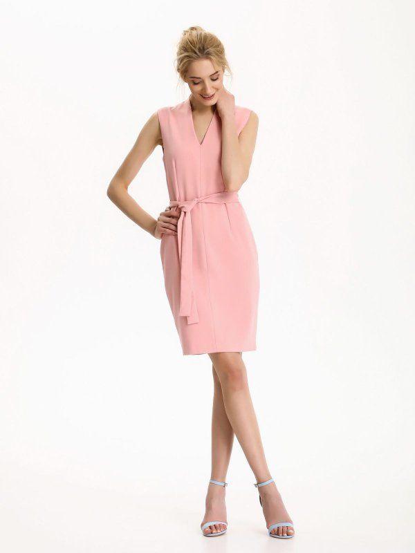 Sukienka damska ciemny róż  - sukienka - TOP SECRET. SSU1814 Świetna jakość, rewelacyjna cena, modny krój. Idealnie podkreśli atuty Twojej figury. Obejrzyj też inne sukienki tej marki.