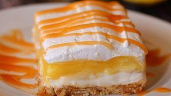 Tenhle úžasný koláč bude ozdobou Vašeho stolu. Recept je jednoduchý a navíc bez pečení!