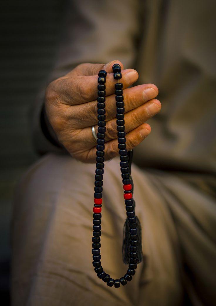 Praying | Eric Lafforgue Photography