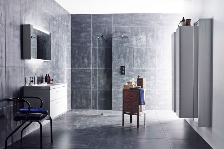 <b>SØMLØST:</b> Du kler blandebatteriveggen inn i flisene du har valgt ellers i dusjen. Foto: INR