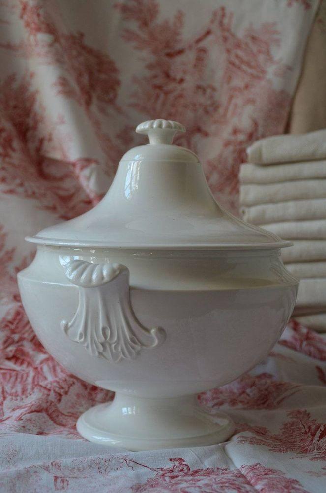 Antique French white soupe tureen from J. Veillard, Bordeaux 1845 #Scandinavian #JVeillard