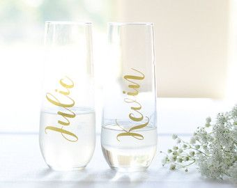 Personalized plastic champagne flutes make the perfect bridesmiad champagne flutes, bridal party flutes, bridesmaid gifts, holiday party flutes, or any other occasion! ***This listing is for one plastic flute*** Looking for glass? https://www.etsy.com/listing/224708899/ Each flute is customized with a name in whichever color you choose. **Please state name and color for each flute i.e. 1) Sarah, Navy Image 1: Starlight, Navy Image 2: Starlight, Turquoise Image 3: Luna, Gold About GoV...