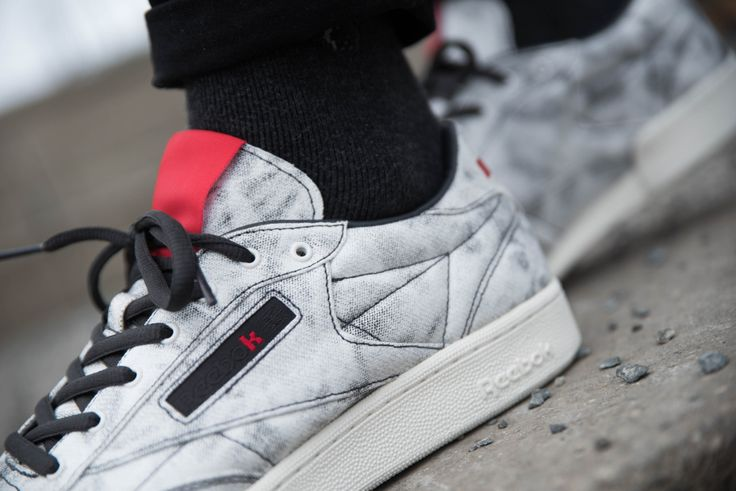 Lately I have a feeling, that Kendrick Lamar and Kanye West are fighting over who will release the biggest amount of sneakers in the shortest amount of time.