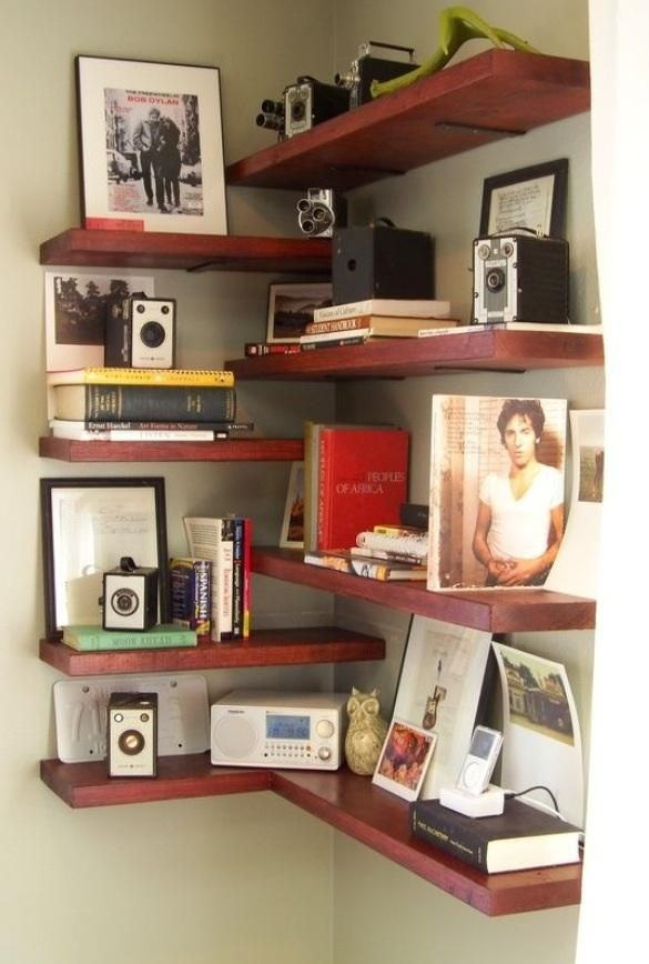 This configuration means we would not have to concern ourselves with mitered corners...DIY Corner Shelves!