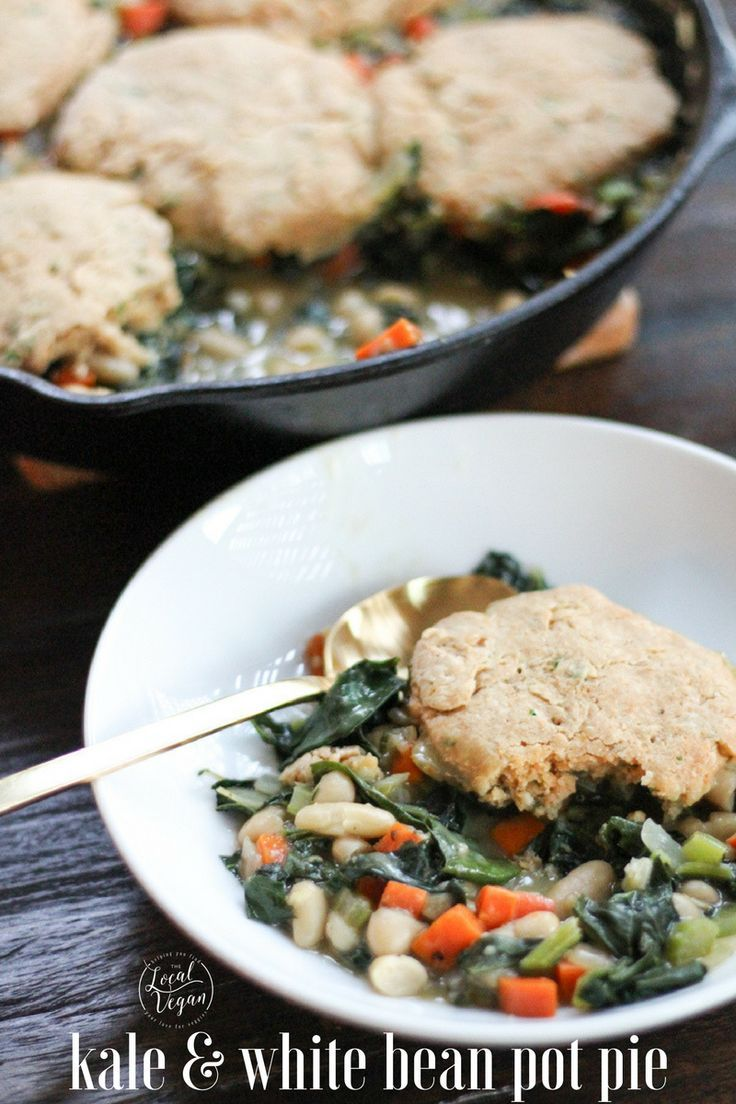 Kale and White Bean Pot Pie  - Healthy #Vegan Dinner / Lunch Recipes - #plantbased #cleaneating