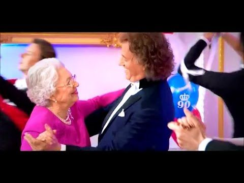 """Best of André Rieu waltzing with 'Queen Elizabeth"""""""