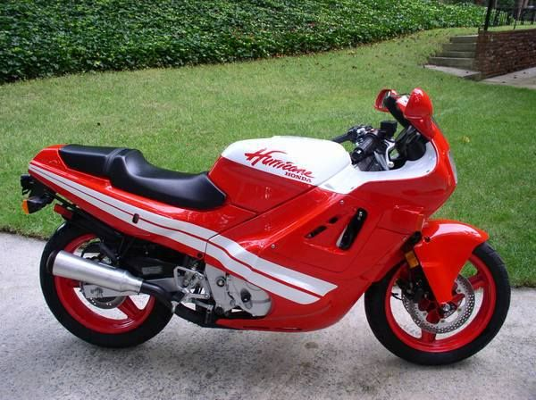 1988 Honda CBR600F Hurricane - this bike with this color combo....1 of the 4 bikes i wanted in HS and College