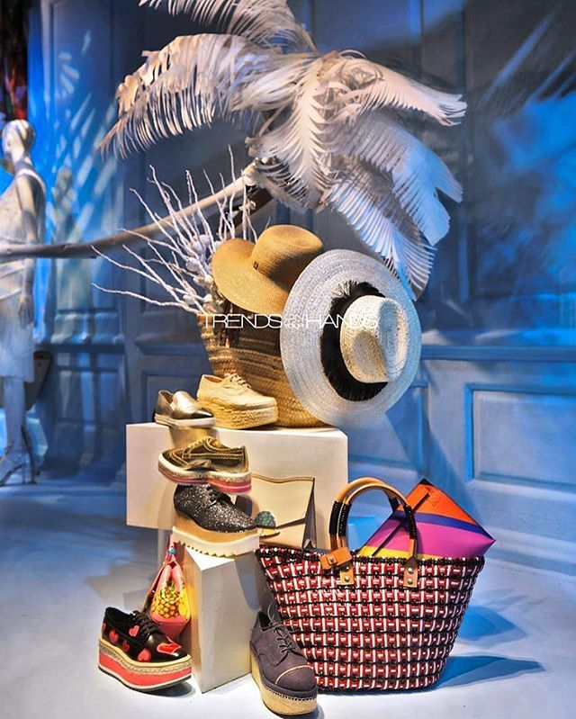 WEBSTA @ trendsonyourhands - May all women find a spot under the coconut tree with their favorite accessories...happy international woman's day!!! #tbt @saks #sakswindows #photo @lorenzo_imperatori #photoshoot @trendsonyourhands #luxury #accessories #boudoir #retailphotography #windowdisplay #visualmerchandising #shopwindow #interiorsdesign #interior #interiors #interiorinspiration #interiordecor @raylindsuarez